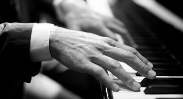 Piano - 清塚信也の評判と実力~苦笑の理由とは?出身高校や大学はどこ?