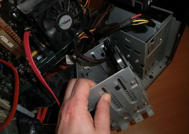 CIMG3901 1 - PC フリーズ&ブルースクリーンの頻繁~対処の最終手段はクリーニング